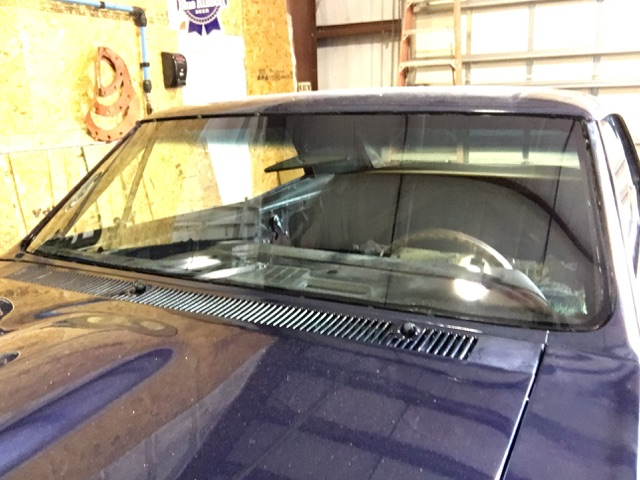 How The Glass Guy Can Assist Your Windshield Repair Needs